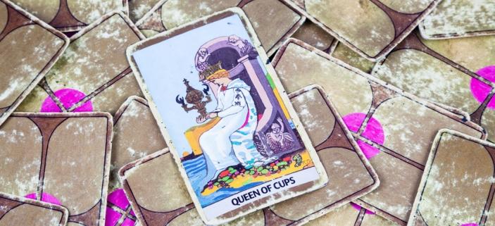 Karta Kralovna Poharu Dokaze Citove Naplnit Astrohled Kartari A